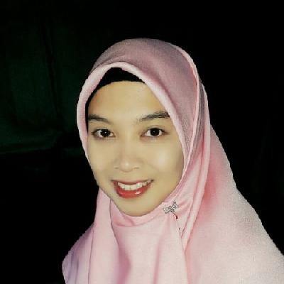 Dosen Sekolah Inklusif Berkarakter dan Berbasis Nilai Islam Bu Rindu