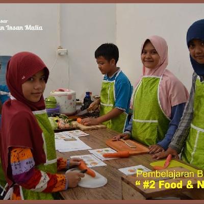 Sekolah Inklusif Berkarakter dan Berbasis Nilai Islam Bina Diri K6